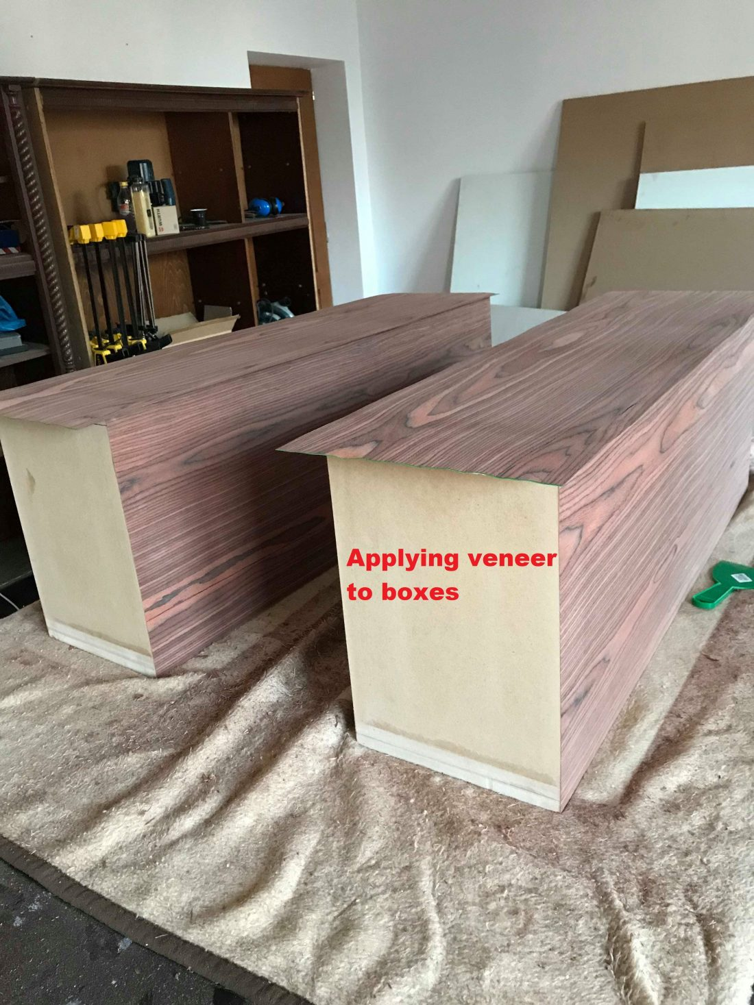 apply veneer to boxes